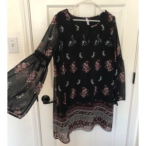 Xhilaration Floral Long Sleeve Dress